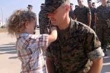 Nghi thức trao huy hiệu đáng yêu nhất cho người lính hải quân Mỹ được thăng cấp (Video)