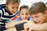 9 điều cha mẹ nên nhớ khi cho con dùng điện thoại di động