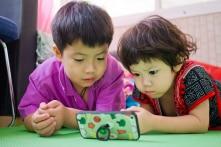 8 cách để tránh việc con trẻ nghiện điện thoại di động