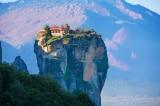Quần thể tu viện nằm giữa không trung ở Hy Lạp, tách biệt với thế giới