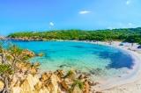 Du khách Pháp bị phạt 1.200 USD vì ăn trộm cát ở bãi biển của Ý