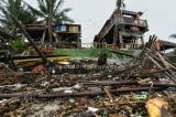 """Cận cảnh bờ biển An Bàng (Hội An) """"vỡ vụn"""" sau bão số 13"""